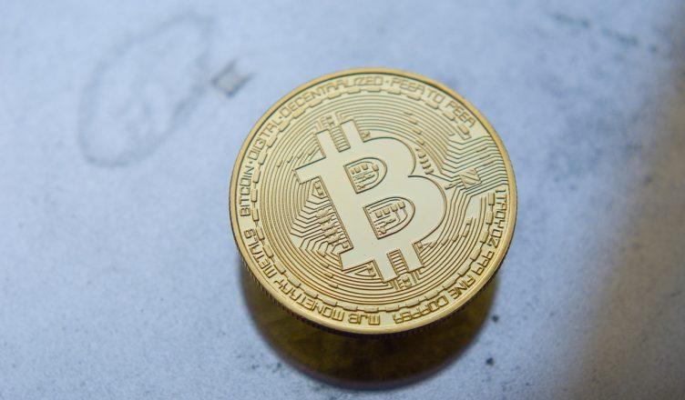 knihu o kryptomenách